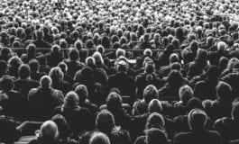 """Społeczny dowód słuszności. """"Gdzie wszyscy myślą tak samo, nikt nie myśli zbyt wiele."""" Walter Lippmann, czyli o tym jak kierujemy się tak zwaną polityką tłumu."""